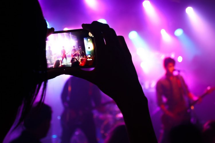 STEPS TO TAKE BEFORE HIRING A LIVE BAND